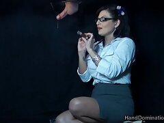 Chica mete maduras cojiendo videos caseros los dedos en el coño